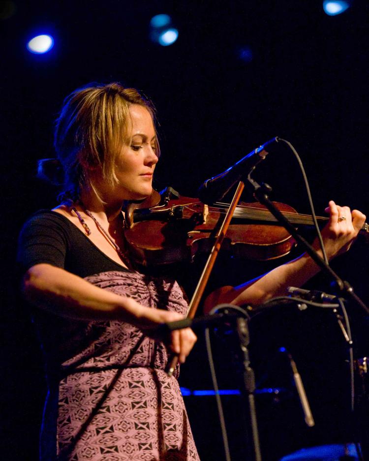Sara Watkins 2