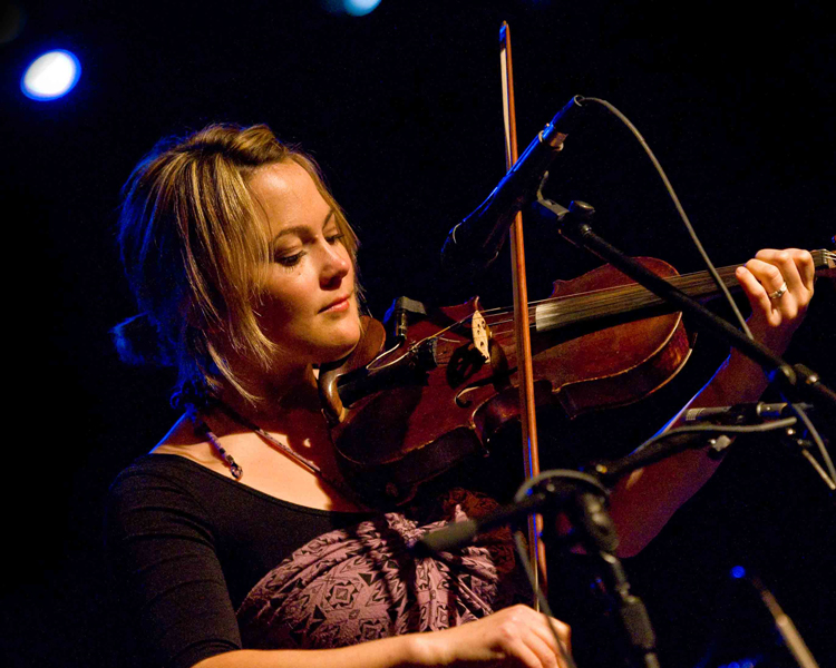 Sara Watkins 3