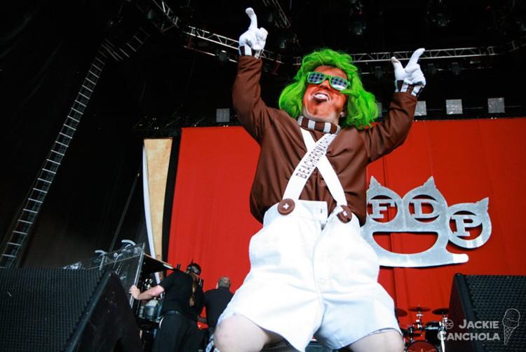 2-Fans_Mayhem-Festival_Washington_July13_Canchola02