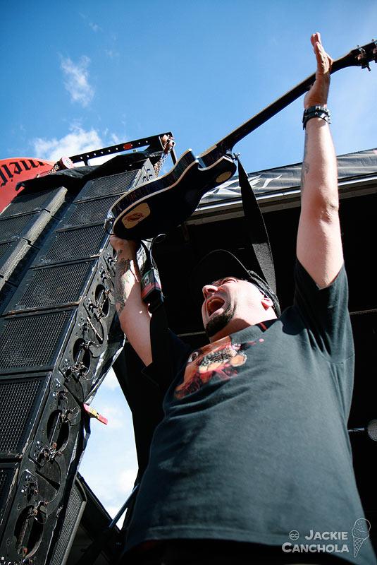 2-Hatebreed_Mayhem-Festival_Washington_July13_Canchola015