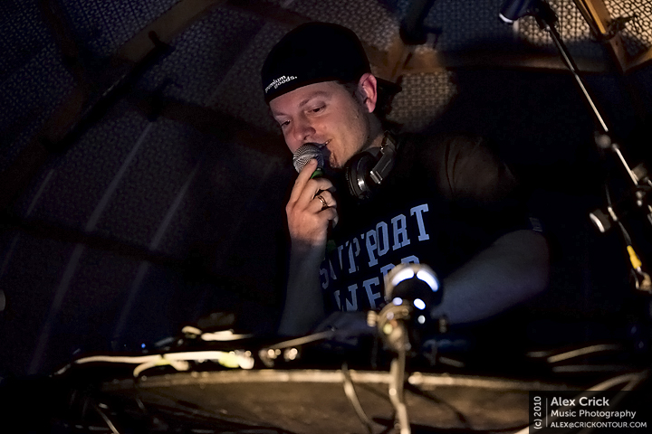 DJ Shadow 01
