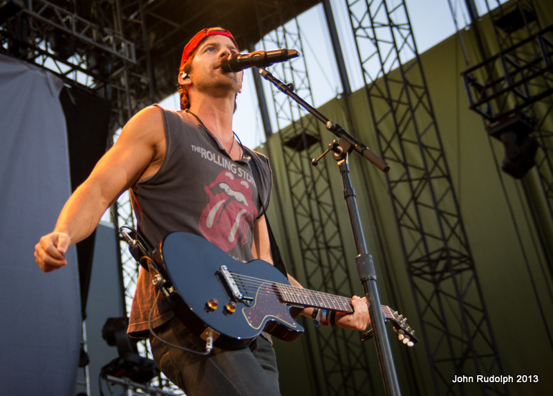 Kip Moore Close (1 of 1)
