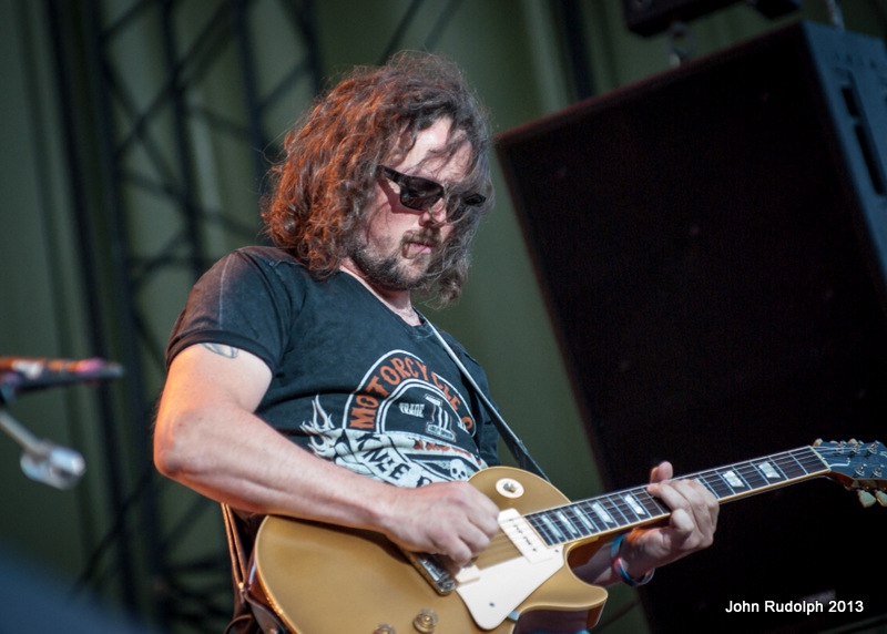 Shooter Jennings Close (1 of 1)