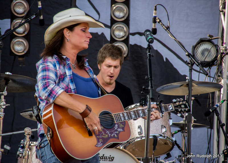 Terri Clark eyes closed (1 of 1)