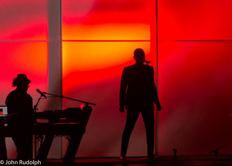 John Legend Sillouete (1 of 1)