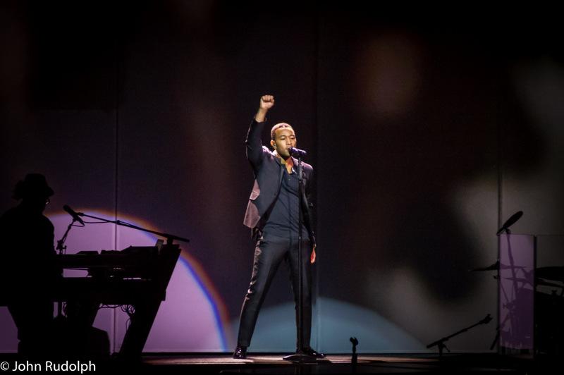 John Legend and Keyboard (1 of 1)