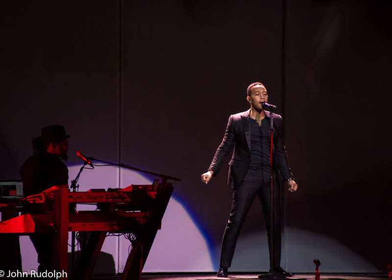 John Legend and Keyboard2 (1 of 1)