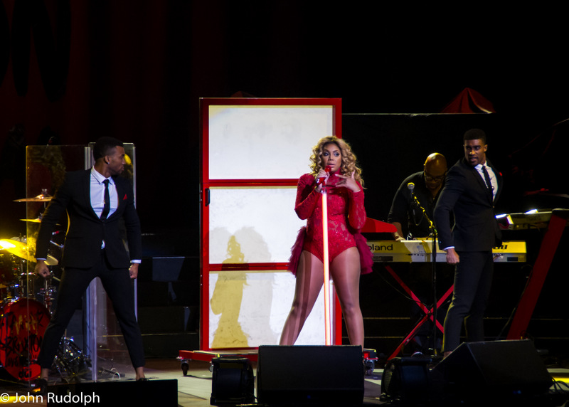 Tamera Braxton and 2 Dancers (1 of 1)