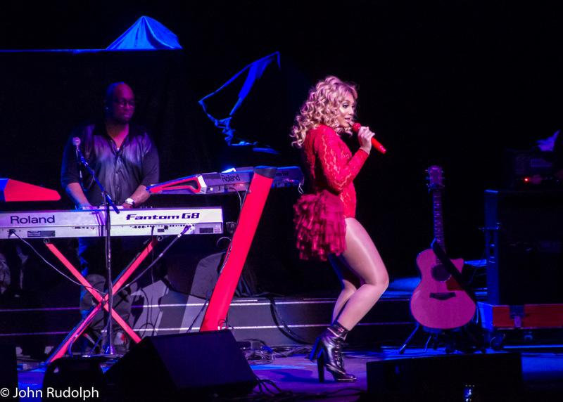Tamera Braxton and Keyboard (1 of 1)