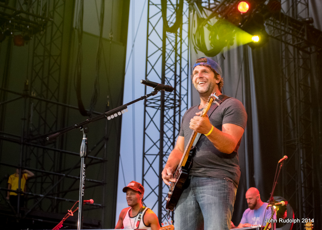 Billy Currington (1 of 1)-4