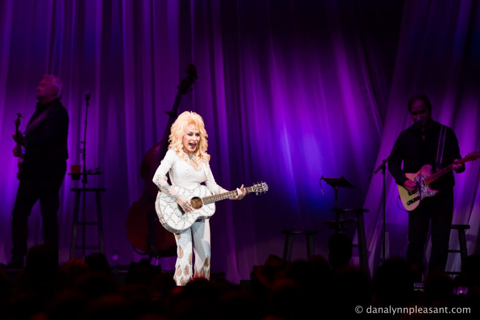 dolly-parton-by-dana-lynn-photo-10