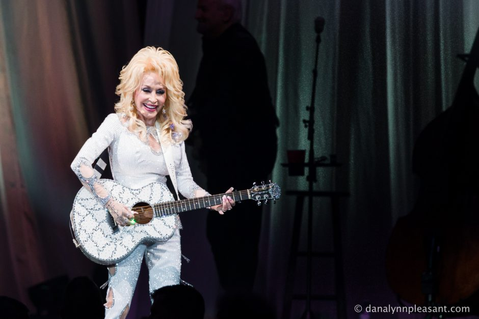 dolly-parton-by-dana-lynn-photo-17