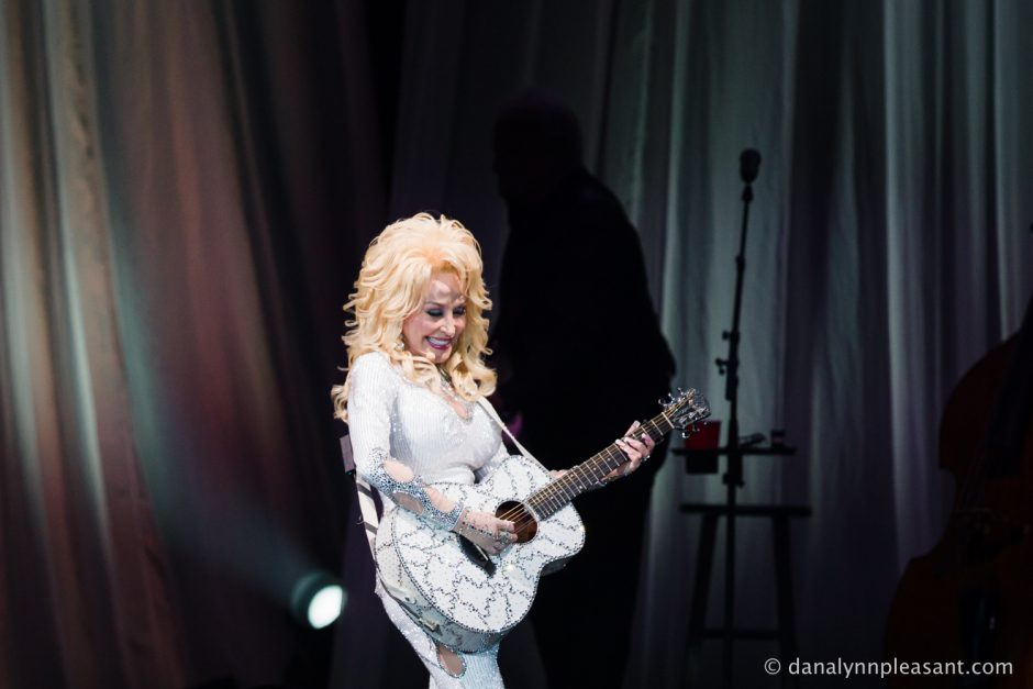 dolly-parton-by-dana-lynn-photo-18