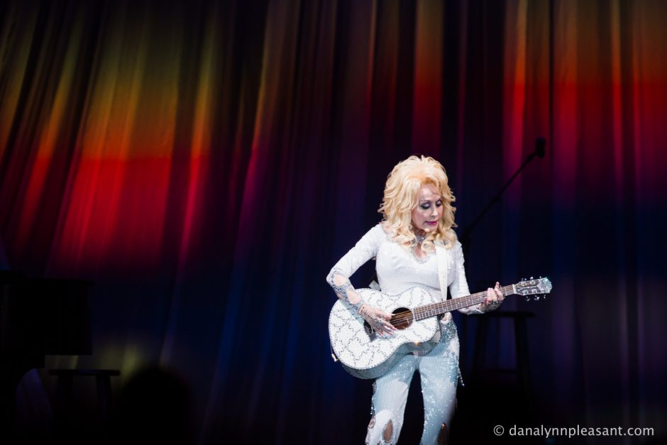 dolly-parton-by-dana-lynn-photo-19