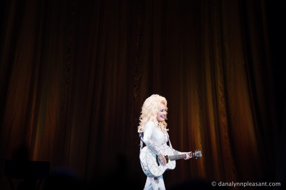 dolly-parton-by-dana-lynn-photo-26