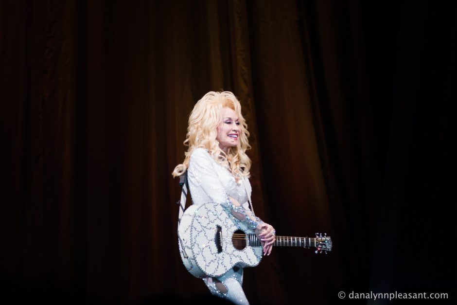 dolly-parton-by-dana-lynn-photo-28