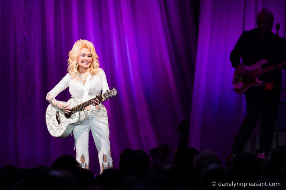 dolly-parton-by-dana-lynn-photo-7